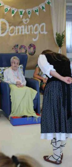 Dominga cumple 100 a�os